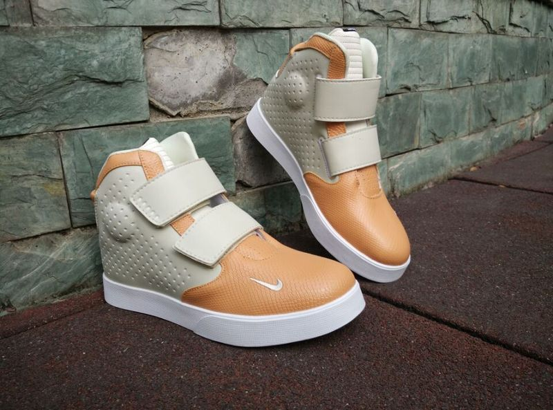 New Nike FLYSTEPPER 2K3 Yeezy Coffe Grey Sneaker For Sale