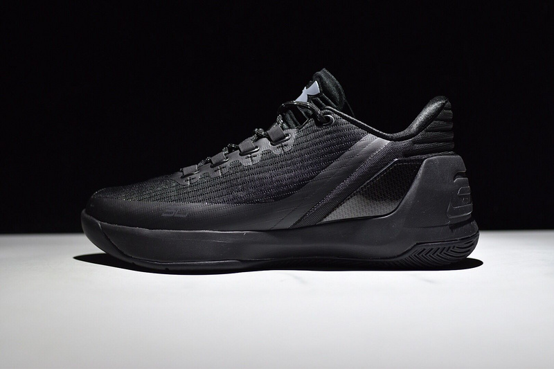 UA Curry 3 Shoes Low All Black